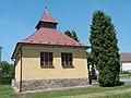 Rataje - kaple od východu.jpg