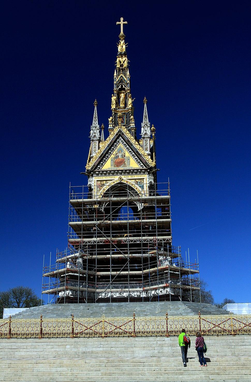 Reconstruction of the Albert Memorial in London, spring 2013 (4)