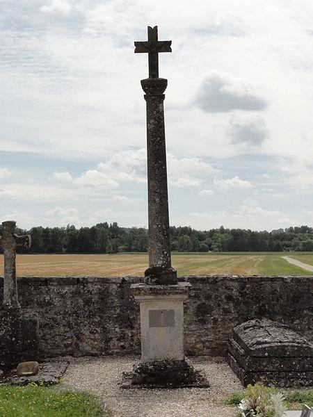 Remennecourt (Meuse) croix de cimetière