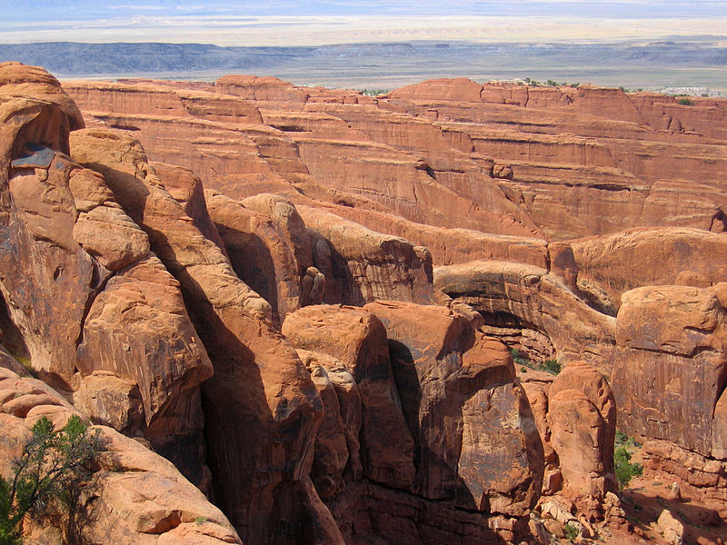 File:Ridge View in Arches National Park.jpg