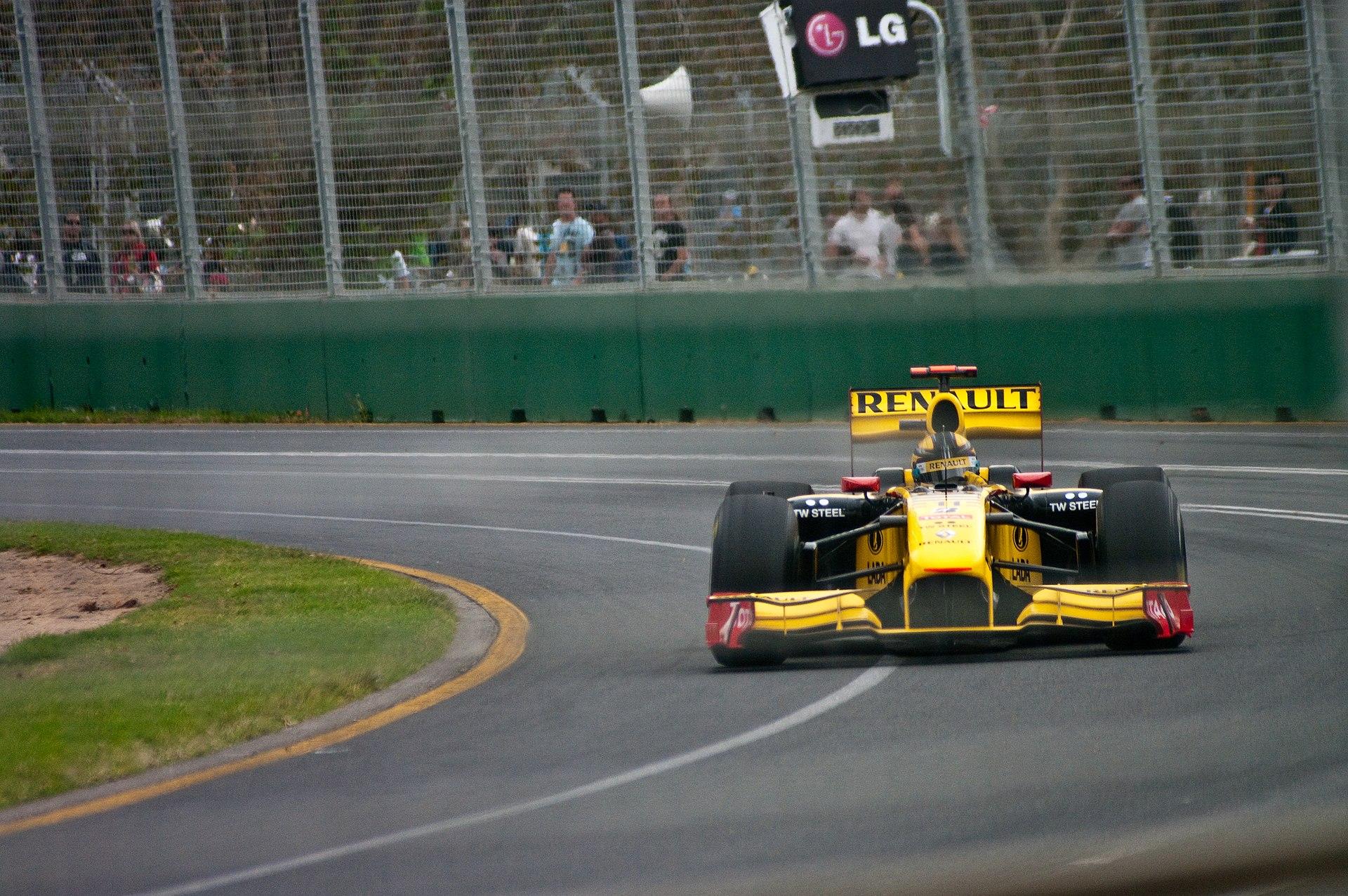 In 2010 is Renault gewoon weer actief in de Formule 1. Ditmaal met Robert Kubica achter het stuur.