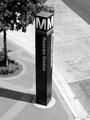 Rosslyn station entrance pylon -03- (50089077302).png