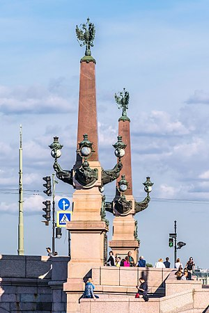 Trinity Bridge, Saint Petersburg - Rostral Сolumns of Trinity Bridge