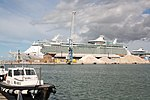 Royal Caribbean MS Navigator of the Seas 01.JPG