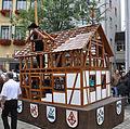 Rutenfest 2011 Festzug Zimmerleute Fachwerkhaus.jpg