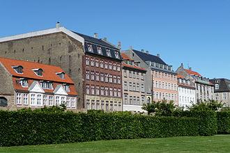 Sølvgade - Sølvgade seen from Rosenborg Castle Garden