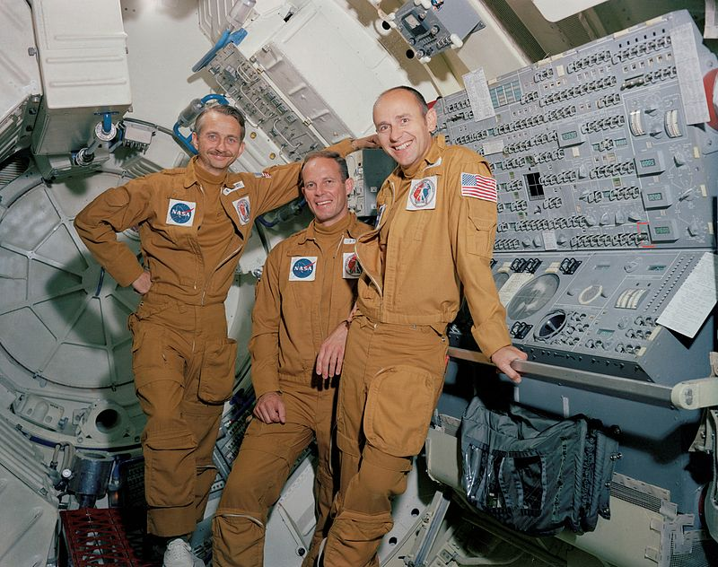 Equipage de Skylab 3 De gauche à droite : Garriott, Lousma et Bean - credits : NASA