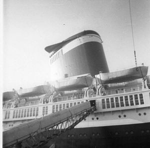 SS United States disembarking at Le Havre
