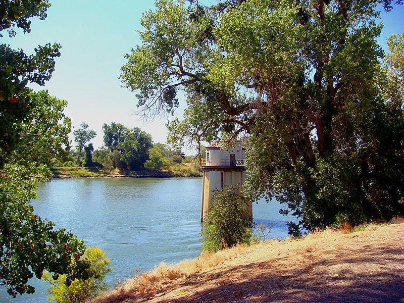 Soubor:Sacramento River.JPG