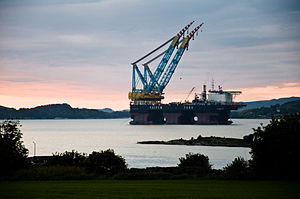 Saipem 7000 - Hundvåg, Norway - 28 May 2010.jpg