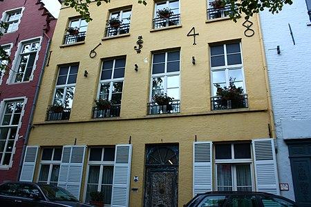 Samenstel van twee, oorspronkelijk drie breedhuizen - Steenhouwersdijk 2, 3 - Brugge - 82162.JPG