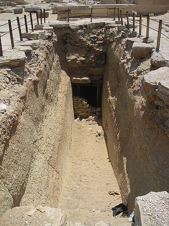 Hotepsekhemwy - Entrance to the gallery tomb beneath the Unas passway.
