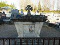 Sarliac cimetière caveau.JPG