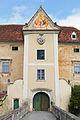 Schloss Oberhöflein Eingangstor 2015-09.jpg