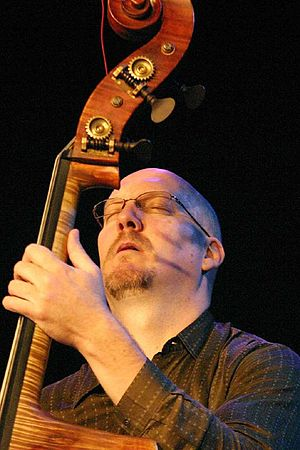 English: American jazz bassist Scott Colley