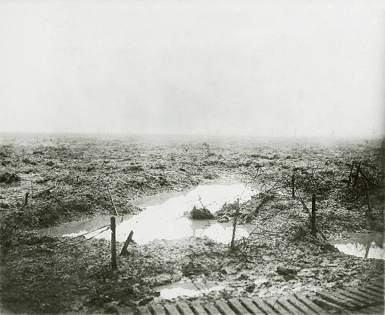 File:Second Battle of Passchendaele - Barbed wire and Mud.jpg