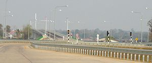 Second Thai–Lao Friendship Bridge - Change from left to right hand drive