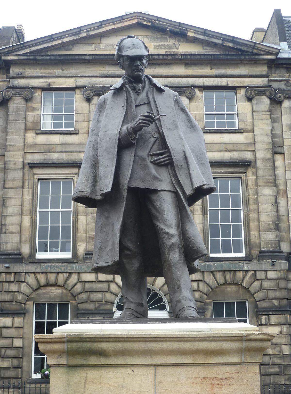 Sherlock Holmes Statue, Edinburgh.JPG