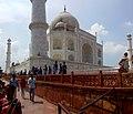 Side view of Taj Mahal 2.jpg