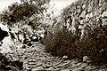 Soldaten achter stenen muur (2948560753).jpg
