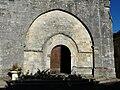 Sorges église portail nef.JPG