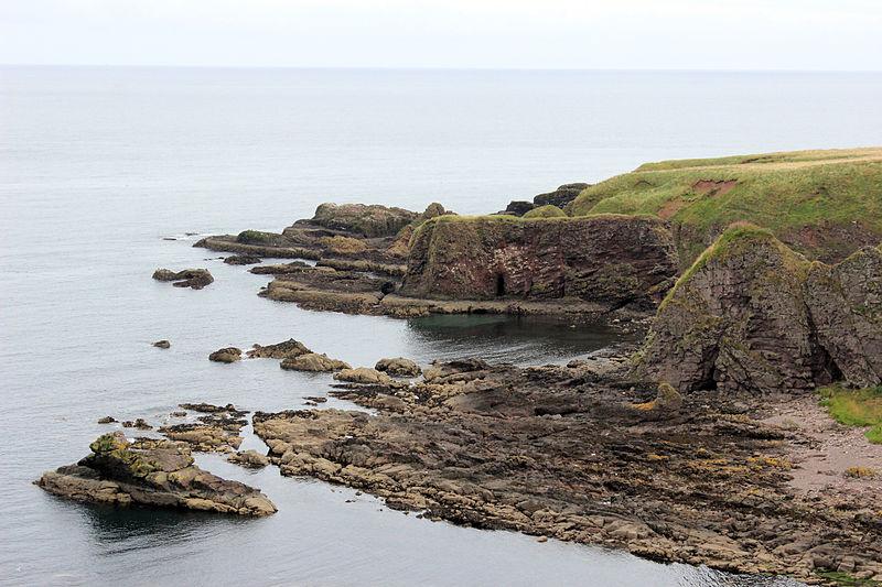 File:Stonehaven coastline 2.JPG