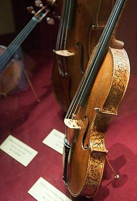 Stradivarius Ole Bull violin.jpg