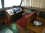 Syrebåt 05 grønn stripe styrepult.jpg