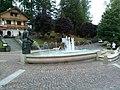 Szczawnica - fontanna na placu Dietla.jpg