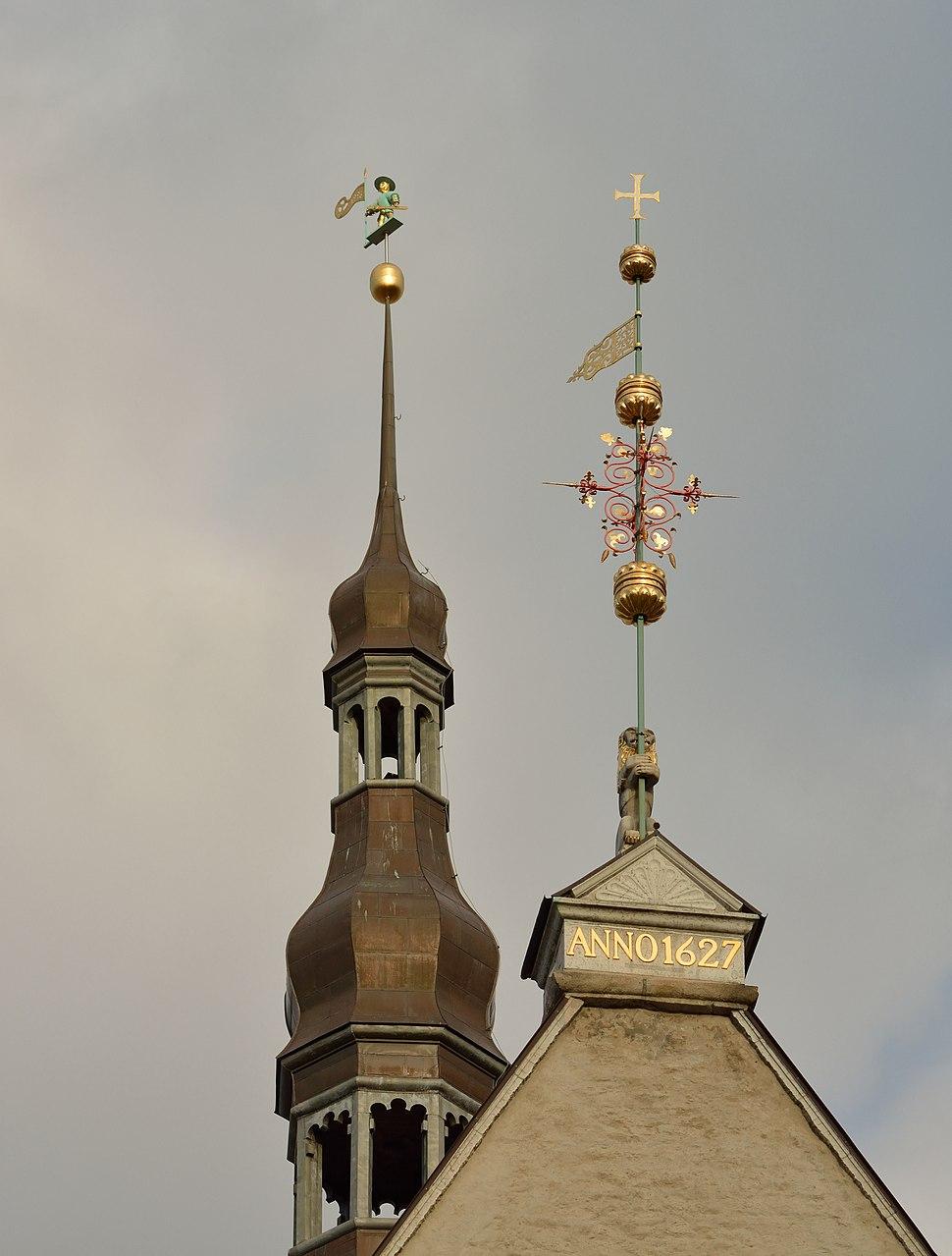 Tallinna Raekoja tuulelipud