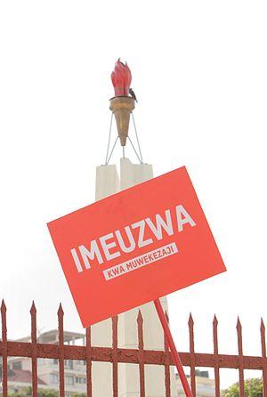 Uhuru Monument - Image: Tanzania Independence Monument SOLD (8451850423)