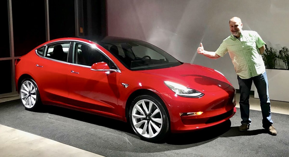 File:Tesla Model 3 Delivery.jpg - Wikimedia Commons