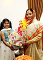 The President, Smt. Pratibha Devisingh Patil greets M. Lavinashree to commend her on becoming the youngest person to pass the Microsoft Professional Certificate Course, in Chennai January 09, 2009.jpg