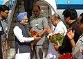 The Prime Minister, Dr. Manmohan Singh being received by the Governor of Maharashtra, Shri K. Sankaranarayanan and the Chief Minister of Maharashtra, Shri Ashok Chavan, on his arrival at Mumbai Airport on April 01, 2010.jpg