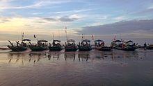 Thuyền đánh cá Biển Hải Triều Hải Hậu Nam Định.jpg