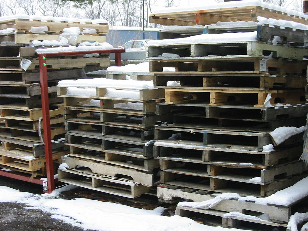 100 Stacked Area Chart: Tidy Stacks of Pallets.jpg - Wikimedia Commons,Chart