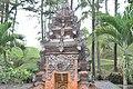 Tirta Empul temple (17056507242).jpg