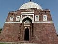 Tomb of Ghiyasuddin Tughlaq (3318229557).jpg