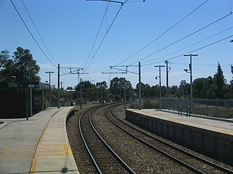 Sherwood railway station, Perth - Northbound view from Platform 1 in April 2005