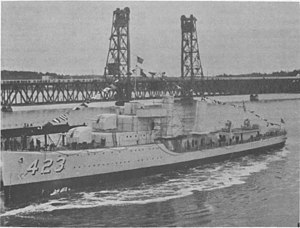 USS Gleaves (DD-423) - Gleaves leaves the building ways, 9 December 1939