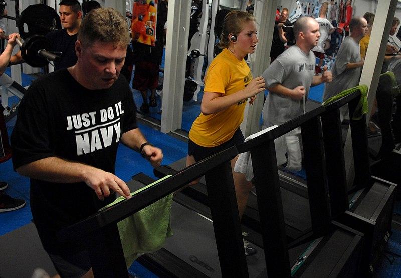 File:US Navy 070205-N-3659B-036 Sailors on board USS Ronald Reagan (CVN 76) run on newly installed treadmills in the mezzanine gym.jpg