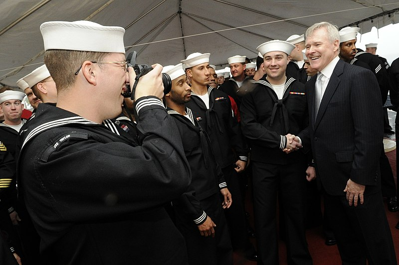 File:US Navy 101008-N-5549O-217 Secretary of the Navy (SECNAV) the Honorable Ray Mabus visits with the crew of the guided-missile frigate USS Taylor (FF.jpg