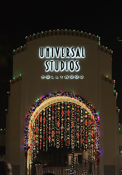 ملف:Universal Studios New Year Eve 2014.jpg