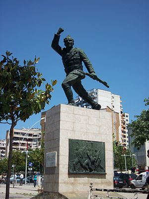 Unknown Soldier (statue) - The statue of the Unknown Soldier in the center or Tirana