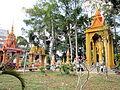 Vườn tháp chùa Sà Lon.jpg