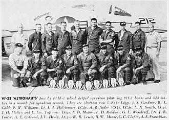 VF-33 - VF-33 pilots in 1958