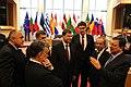 Valdis Dombrovskis un citu valstu valdību vadītāji apspriežas ar EK prezidentu Žozē Manuelu Barozu (8182067331).jpg
