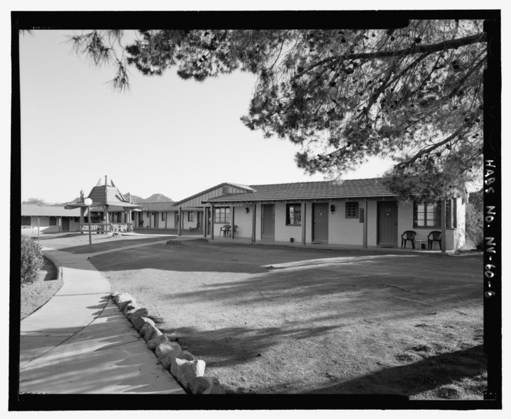 File:View of south wing looking southeast, Lodge Building A, perspective view, front facade and one side - Lake Mead Lodge, 322 Lakeshore Road, Boulder City, Clark County, NV HABS NV-60-6.tif