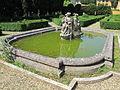 Villa schifanoia, giardino, terza terrazza, vasca centrale 01.JPG