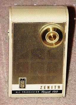 Vintage Zenith Royal 150 Transistor Radio (8397268271)